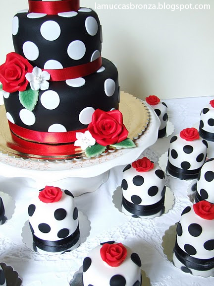 torta-compleanno-pasta-zucchero