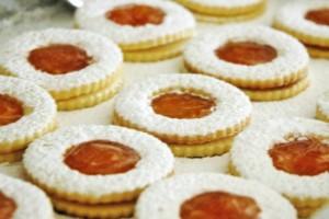 Biscotti con marmellata