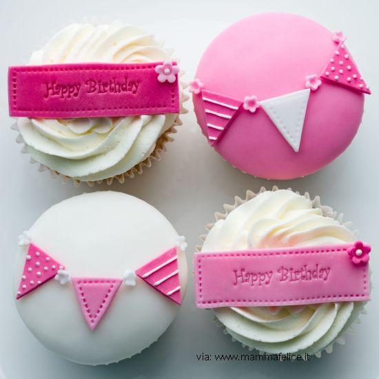 decorazione-torta-compleanno-bandierine