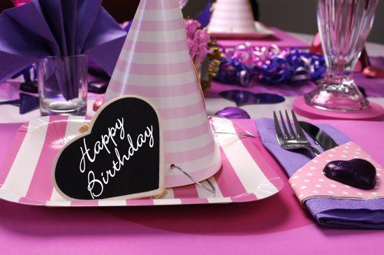 cappellini-piatti-tovaglioli-festa-di-compleanno