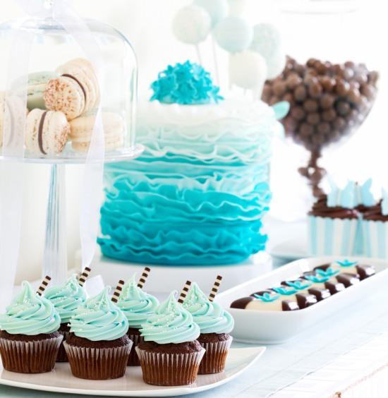 buffet-romantico-di-compleanno-in-azzurro