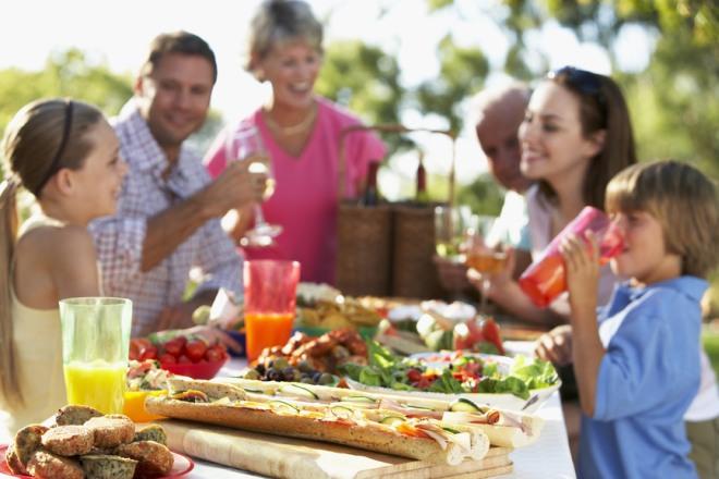 ferragosto-idee-menu-famiglia-gita-fuoriporta-picnic.