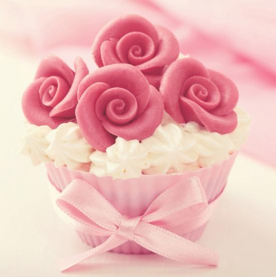 Conosciuto Cake Topper: idee per decorare le torte di compleanno | Feste e  ED03