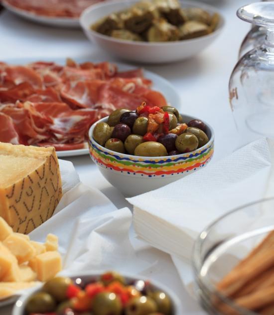 Snack e stuzzichini veloci per una festa in casa feste e for Idee per aperitivo a casa