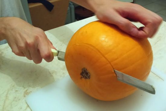 come-incidere-decorare-intagliare-zucca-halloween