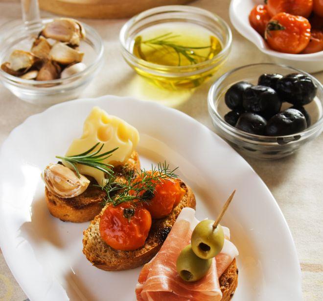 menu-buffet-economico-per-compleanno-bruschette