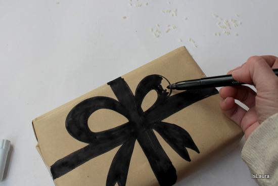 come-decorare-carta-pacco-regalo-disegno