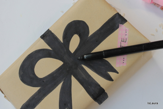 come-decorare-carta-pacco-regalo-con-facilità.