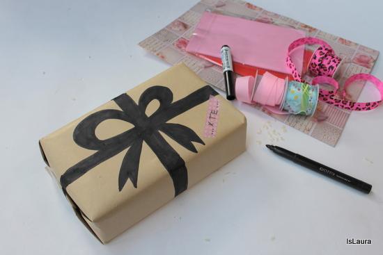 come-decorare-con-semplicità-carta-pacco-regalo