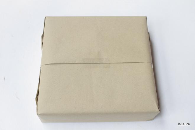 confezione-regalo-fai-da-te-con-materiali-di-riciclo