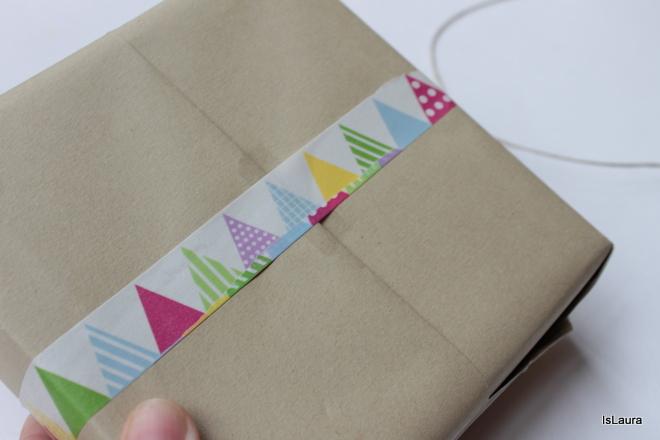 realizzare-un-pacco-regalo-con-gli-washi-tape-