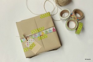 Come incartare un regalo con il washi tape
