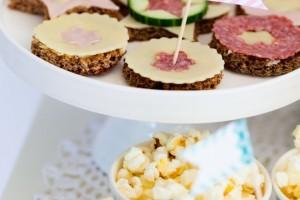 Stuzzichini e spuntini salati veloci per un compleanno