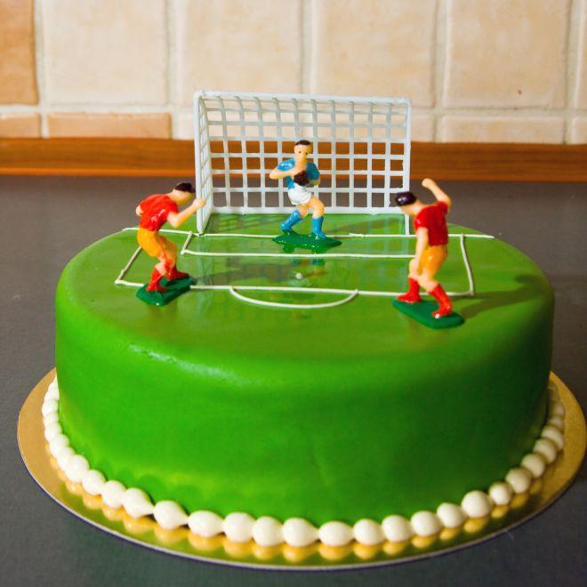 torta-di-compleanno-in-tema-calcio-calcistico