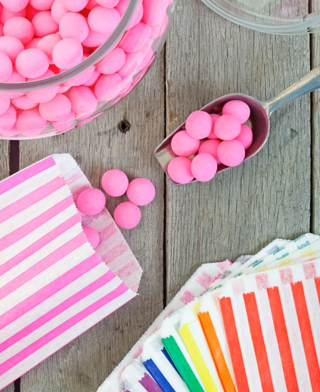 Extrêmement Come servire le caramelle ai compleanni | Feste e compleanni TG34