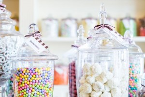 Come servire le caramelle ai compleanni