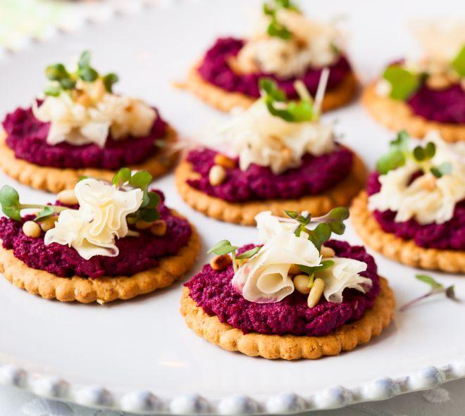tartine-stuzzichini-con-i-crackers