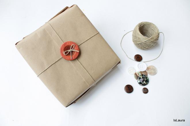 Pacchetto-regalo-con-bottone