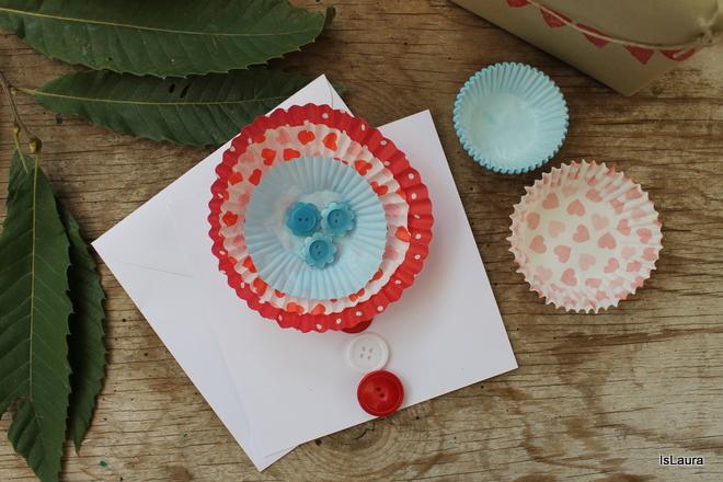biglietti di compleanno fai da te, con pirottini di carta a forma di fiore