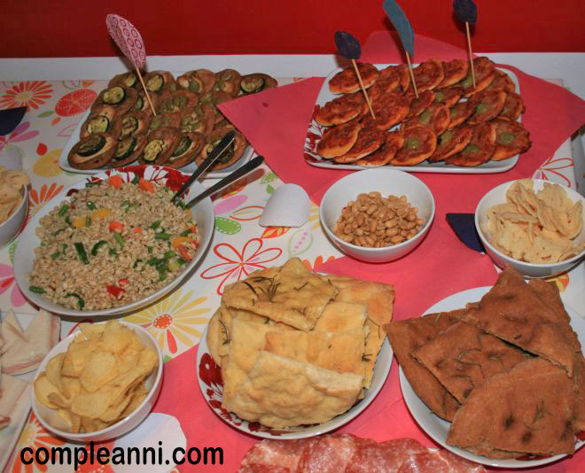 buffet-di-compleanno-fatto--in-casa-semplice