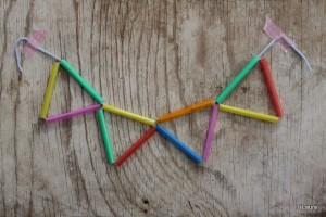 Riciclare le cannucce come decorazioni di compleanno