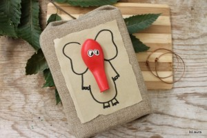 Come incartare un regalo per bambini piccoli