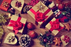 Decorazioni di Natale con le pigne