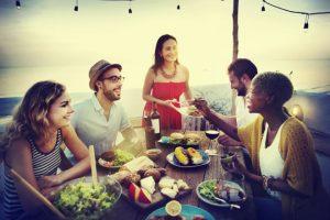 picnic-spiaggia-giardino-aperto-sera-menu-buffet