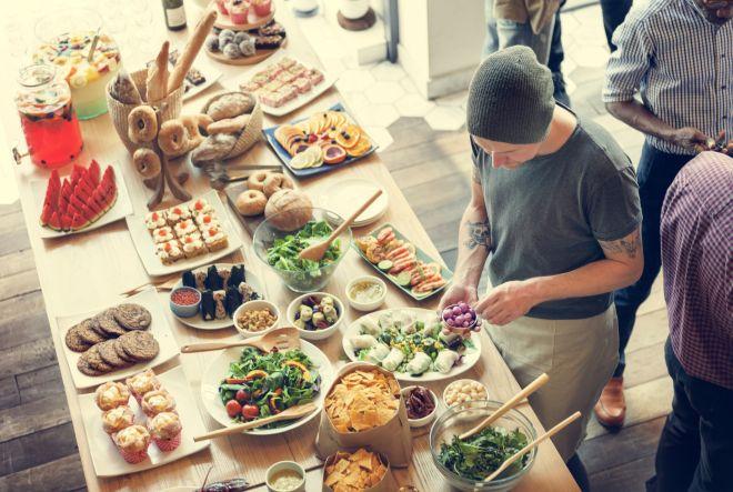 Feste in casa come organizzare il buffet in anticipo for Organizzare il giardino di casa