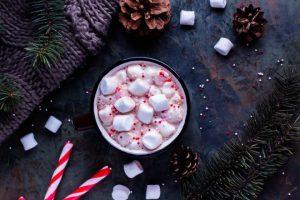Alzi la mano chi conosce un bambino che non sia un goloso mangiatore di marshmallow! E allora come fare i marshmallow in casa?