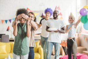 Come organizzare una festa di compleanno a sorpresa in una casa piccola