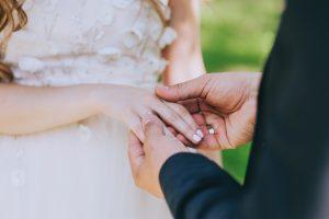Come organizzare un matrimonio con poche persone