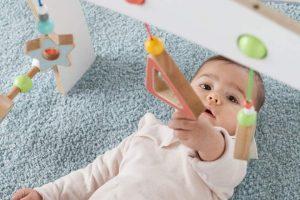 Giochi educativi in legno per neonati